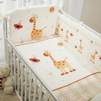 Постельное бельё  в кроватку  КРОХА. Жирафики. Комплект из 7 предметов